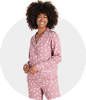 women pink pyjama set
