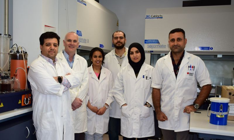 From left to right: Nagalakshmi Haleyur (PhD student), Distinguished Professor Andrew Ball, Dr Arturo Aburto Medina (Senior Research Fellow), Dr Esmaeil Shahsavari (Senior Research Fellow), Leadin Khudur (PhD student) and Eman Koshlaf (PhD student)