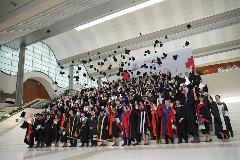 More than 1,000 RMIT fresh graduates from 11 university programs celebrated their newly acquired academic degrees in four ceremonies this week at the Saigon South and Hanoi campuses.