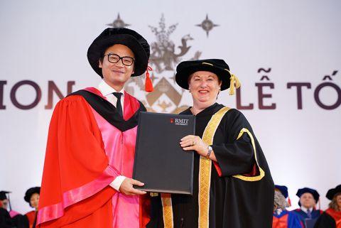 news-thumbnail-rmit-university-honours-australian-celebrity-chef-luke-nguyen.jpg
