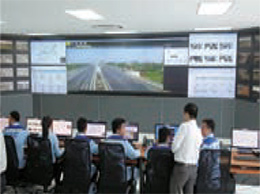 An expressway traffic control center in Vietnam that has started operation of Intelligent Transport Systems