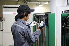 [Image] Training in adjusting elevators.